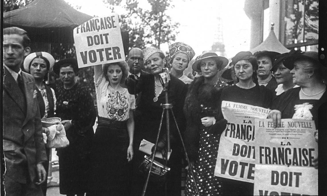 Paris 1937 Manifestation pour le droit de vote des femmes française